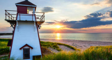 Sunlight with a light house in the pic