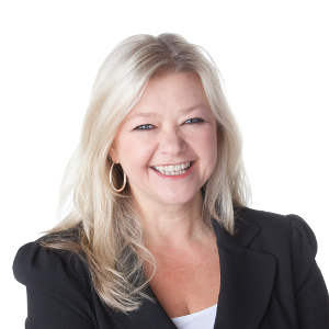 maryannyule CEO of HP Canada in the picture